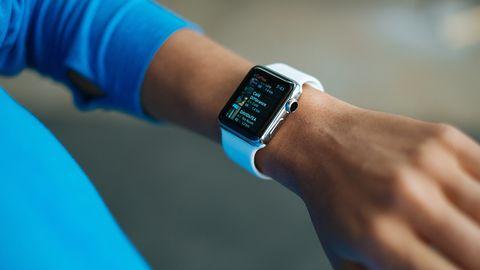 Spotify testuje aplikację na Apple Watcha. Bez iPhone'a jednak nie posłuchamy muzyki