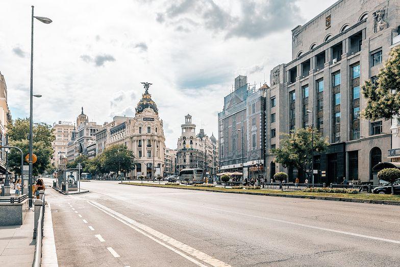 Wakacje 2021. Lecisz do Hiszpanii? Rząd wprowadza ważne zmiany