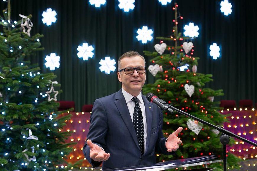 Prof. Mirosław Wielgoś jest ginekologiem