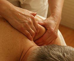 Zaskakujący finał masażu erotycznego w Warszawie. Klient uciekał ze spodniami w ręku