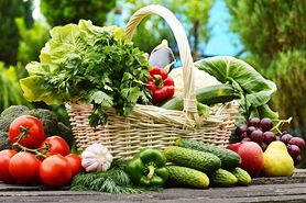 Sprzedawane zimą warzywa i owoce mogą być szkodliwe