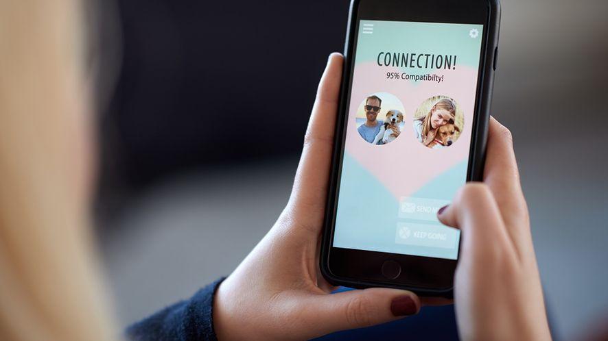 Bezpieczne walentynki 2020 w sieci/ fot. Shutterstock
