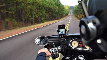 Apple ostrzega. Motocykle mogą uszkodzić iPhone'y - Apple ostrzega użytkowników iPhone'ów