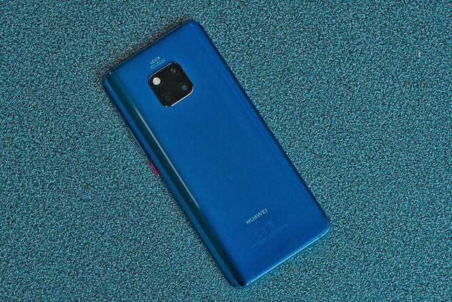 Huawei Mate 20 Pro jest jednym z urządzeń Huawei, które mają części od NXP – ma od nich moduł NFC / Fot. Komórkomania (Miron Nurski)