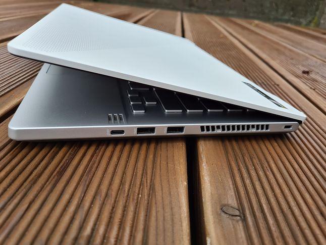Porty USB-C są w standardzie USB 3.2 Gen 2 (10 Gb/s)