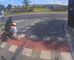 Szokujące nagranie z Olsztyna. Motocyklista potrącił na pasach dziecko