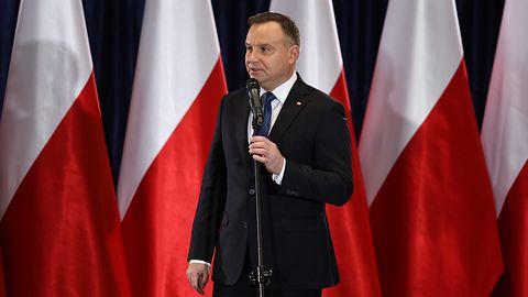 Koronawirus w Polsce. Rząd wprowadzi aplikację dla osób objętych kwarantanną