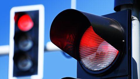 Autonomiczny samochód złamał przepisy: rozpoznał zakaz, ale nie zareagował