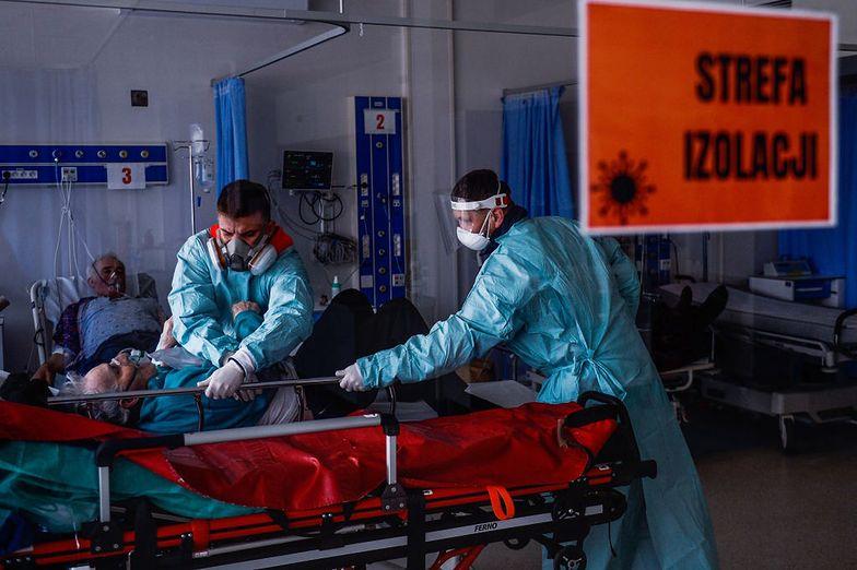Koronawirus w Polsce. Naukowcy z UW ostrzegają przed czwartą falą epidemii