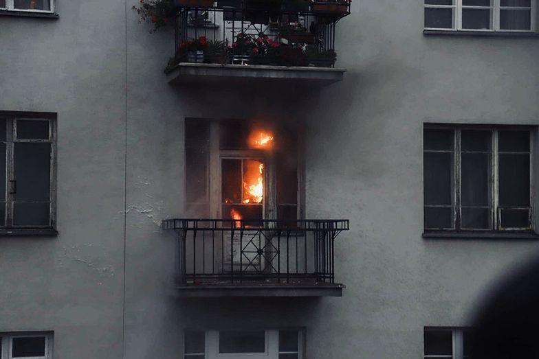 Marsz Niepodległości. Uczestnicy podpalili mieszkanie. Relacja znanej sąsiadki