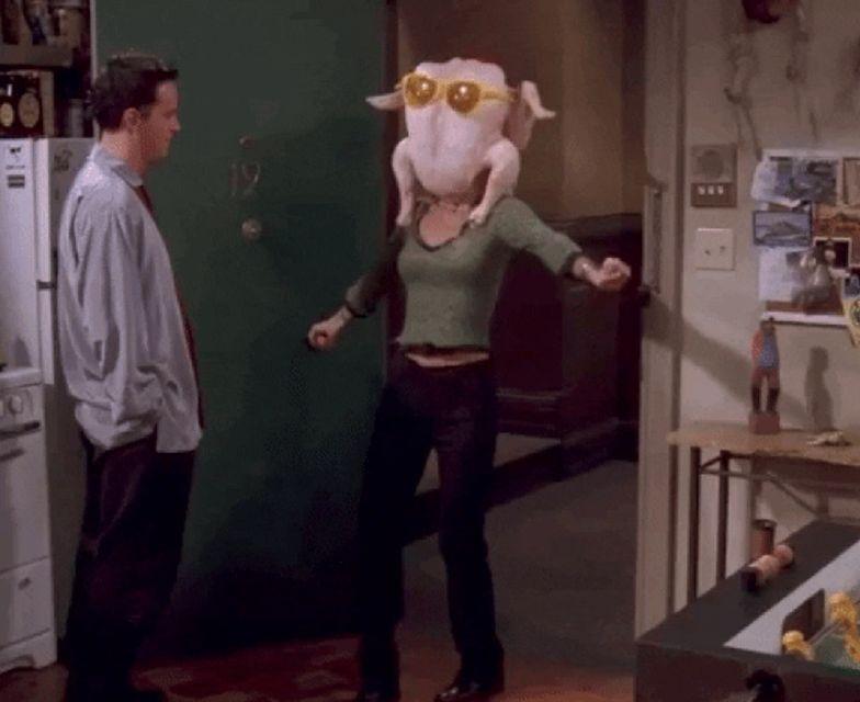 """Pamiętacie tę scenę z """"Przyjaciół""""? Courteney Cox zdradza kulisy"""