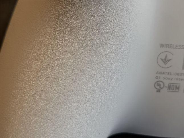 Symbole PlayStation ukryte w padzie DualSense