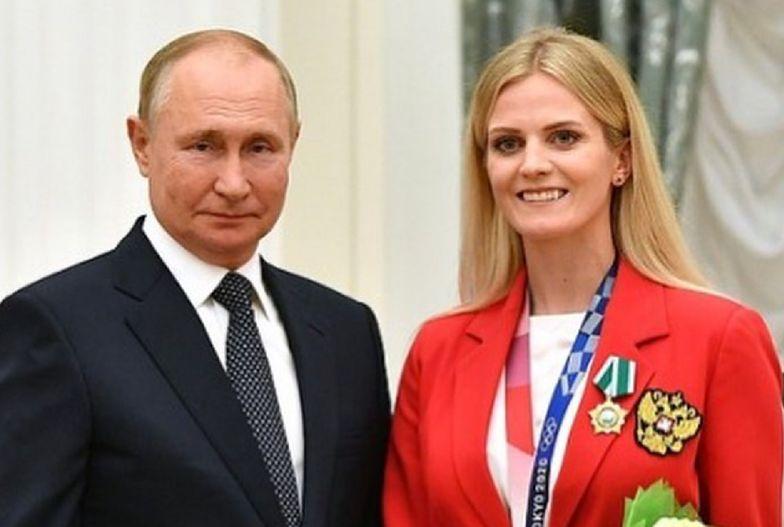 Złota medalistka zmieniła barwy. Zdjęciem z Putinem rozwścieczyła fanów