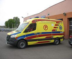 Naćpany sanitariusz woził w karetce martwą pacjentkę. Był już karany