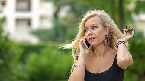 Masz telefon na abonament? Oto, co musisz wiedzieć o poniedziałkowych zmianach