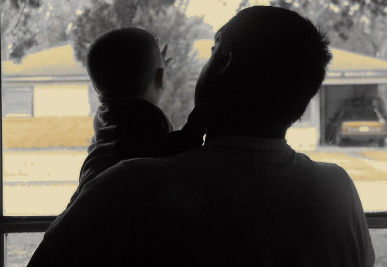 Mężczyźni zyskają prawo do dodatkowych 2 miesięcy z dzieckiem.