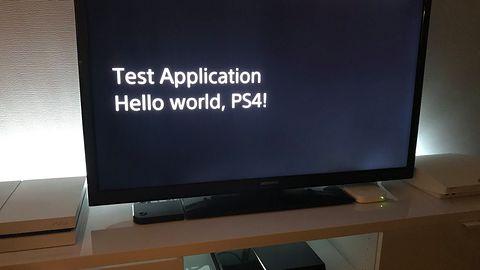 """Niezależne aplikacje oraz gry z PlayStation 2 działają już na złamanej """"czwórce"""""""