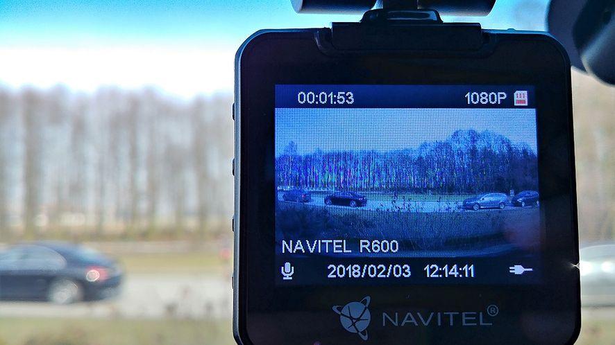 Navitel R600 – test wideorejestratora samochodowego z matrycą Sony