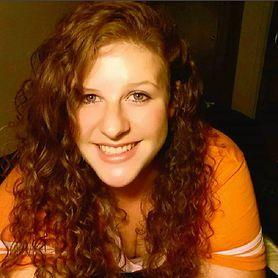 Przeszła 49 operacji twarzy. Nie mogła poznać się w lustrze
