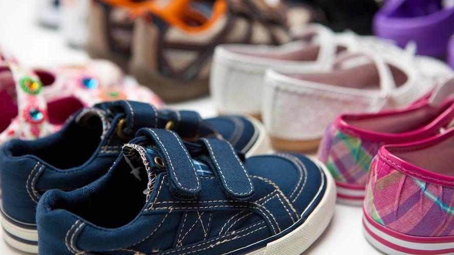 Buty dla dzieci z depositphotos