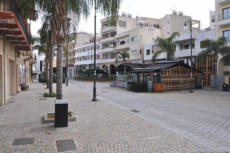 Cypr - podział na wyspie na dwie strefy państwowe daje o sobie mocno znać. Rykoszetem dostają zagraniczni turyści.