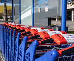 Carrefour dostarczy zakupy do domu na terenie całego kraju. Ominie niedzielę niehandlową