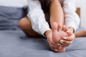 Ból śródstopia – urazy i deformacje, rwa kulszowa, metatarsalgia Mortona, inne przyczyny, diagnozowanie i leczenie
