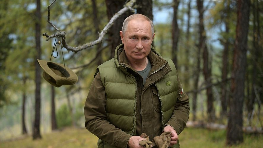 Władimir Putin bywa hojny dla swych zięciów (KREMLIN PRESS SERVICE / HANDOUT/Anadolu Agency/Getty Images)