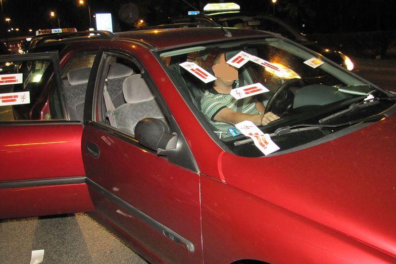 """Taksówkarze urządzili gehennę kierowcom Ubera. """"Noc sądu czyli piętnowanie lewusów"""""""