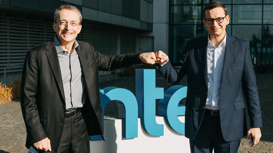 """Morawiecki odwiedził Gdańsk. Na miejscu """"zbił żółwika"""" z szefem Intela"""
