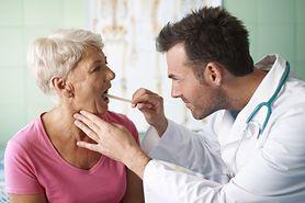 Zagrożenie nowotworem głowy i szyi jest coraz większe. Sprawdź czynniki ryzyka