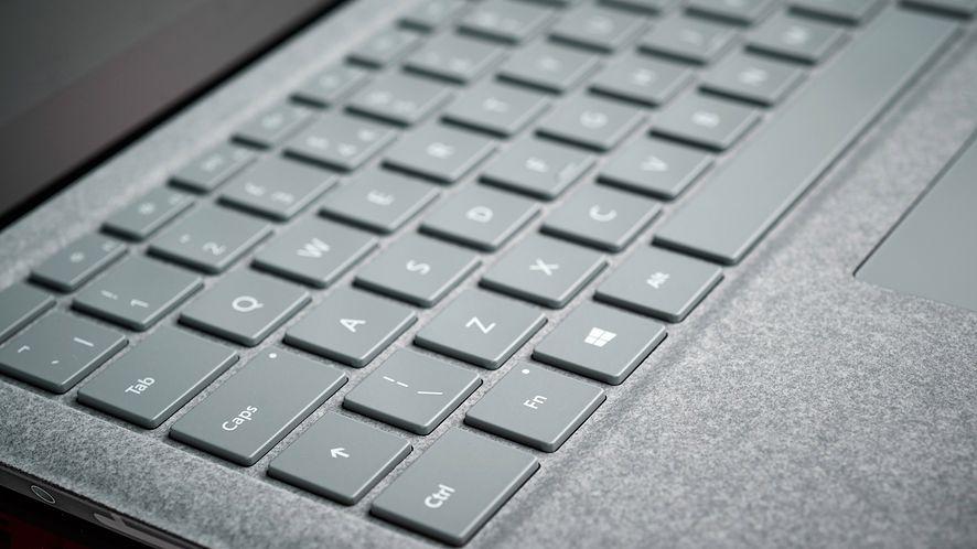 Microsoft bada problem pękających ekranów w Surface Laptopach 3, fot. Getty Images