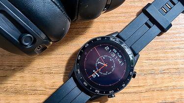 Krótki test Vector Smart VCTR-32-22BK: Ciekawa alternatywa dla droższych smartwatchy? - Klasyczny wygląd bez udziwnień to jedna z głównych zalet tego modelu