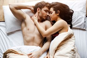 Oto 7 najzdrowszych pozycji seksualnych. Sprawdź, czym wyróżnia się pozycja misjonarska