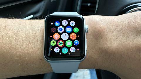 Nowy i zaawansowany Apple Watch ma poważny problem ze... zmianą czasu