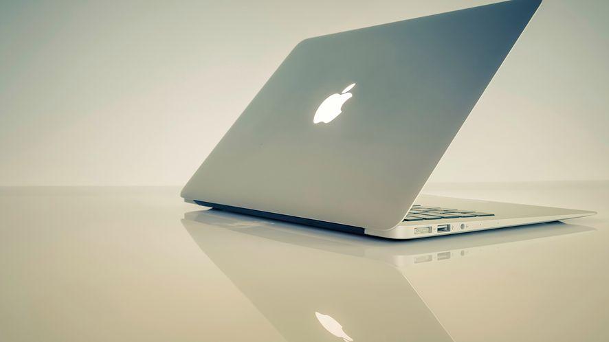 Apple testuje MacBooka z Face ID i dotykowym ekranem