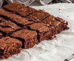 Przepis na brownie z 3 produktów. Główny składnik Cię zaskoczy