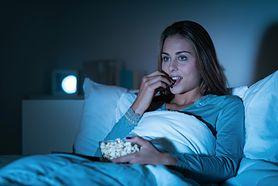 Podjadając w nocy, tyjesz podwójnie! Przyczyny i skutki podjadania w nocy