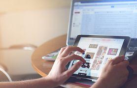 Uzależnienie od internetu – przyczyny, chat, portale społecznościowe, gry, zagrożenia