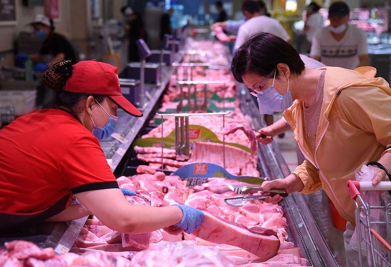 Wieprzowina w sklepach coraz tańsza. Jest kilka powodów