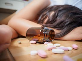 Rośnie liczba zatruć paracetamolem. Celowe przedawkowania leków bez recepty