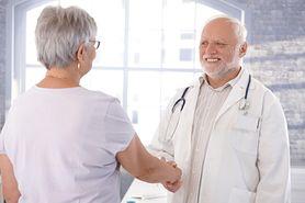 Menopauza - objawy, sposoby leczenia, zioła na menopauzę