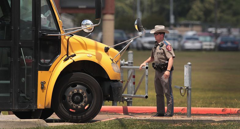 """Bezdomny wtargnął do szkolnego autobusu. Krzyczał, że """"Jezus się zbliża"""""""