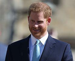 Książę Harry bez Meghan na urodzinach królowej. Unikał Kate i Williama