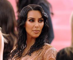 Kim Kardashian West poświęciła wiele dla urody. W tej stylizacji nie mogła iść do łazienki