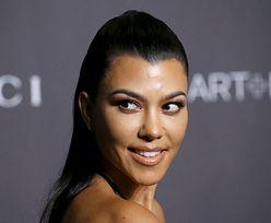 Kourtney Kardashian kusi swoich widzów. Jej bikini nie zasłania wiele