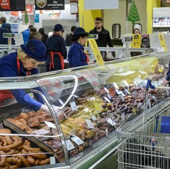 Jedzenie drożeje dwukrotnie szybciej niż inne towary. Oto typowy koszyk zakupowy Polaka