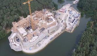 """Ekolodzy negatywnie oceniają zamek w Stobnicy. """"Przykład ogólnokrajowego problemu z ochroną przyrody"""""""
