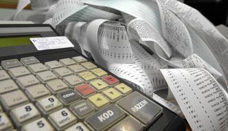 Kasy fiskalne online jeszcze poczekają. Wykorzystują to naciągacze