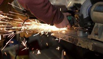 Branża motoryzacyjna na Ukraińcach stoi. Zatrudnia je prawie 60 proc. firm